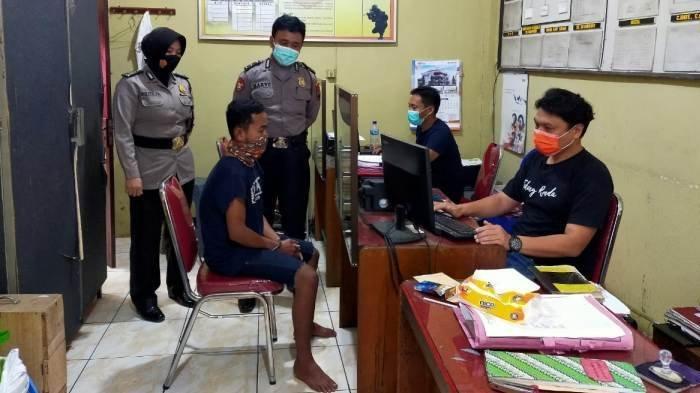 unit-reskrim-polsek-ajibarang-memeriksa-ash-warga-kabupaten-kebumen.jpg