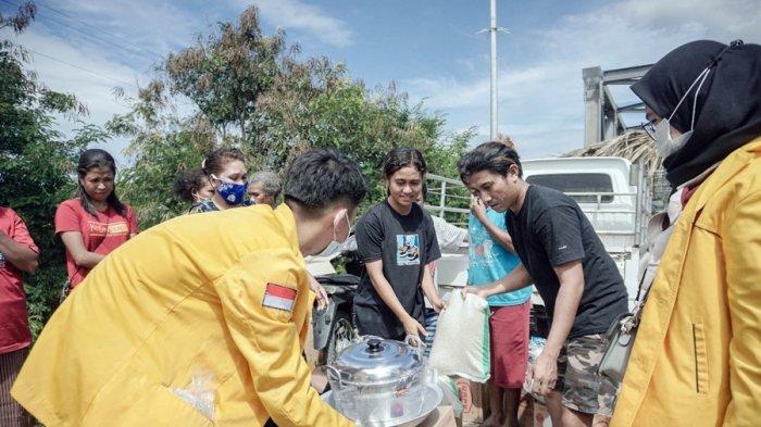 Bantu Pemulihan Warga Pasca Banjir, Empat Delegasi Untidar Magelang di NTT, Mereka Lakukan Ini