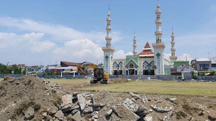 Revitalisasi Alun-alun Kota Tegal, Pelaksana Proyek: Tiga Hari Pemerataan Lahan