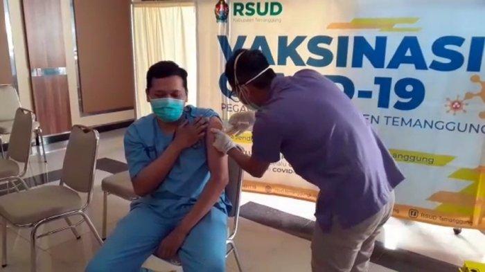 Vaksinasi Dosis Kedua di RSUD Temanggung, Sehari 300 Nakes Disuntik Vaksin, Total Ada 686 Orang