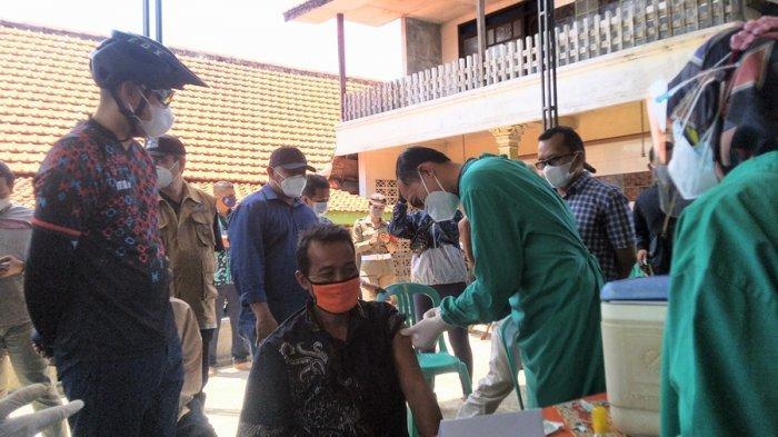 Vaksinasi Masuk Desa di Kendal, Petugas Kesehatan Sasar Lansia, Sehari 1.000 Dosis Vaksin