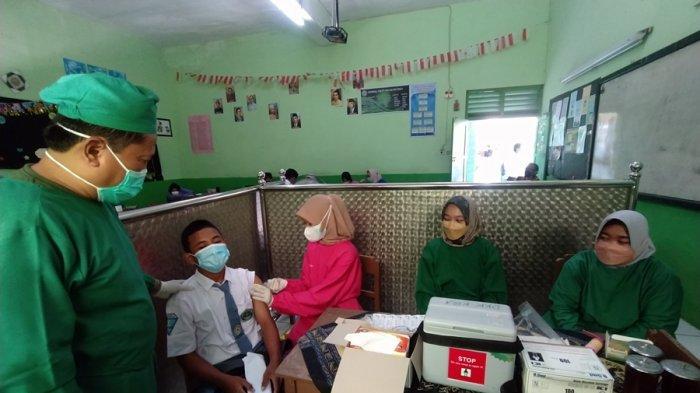 Grafik Covid-19 Menurun di Karanganyar, Juliyatmono: Sekolah Penyelenggara PTM Bisa Diperluas