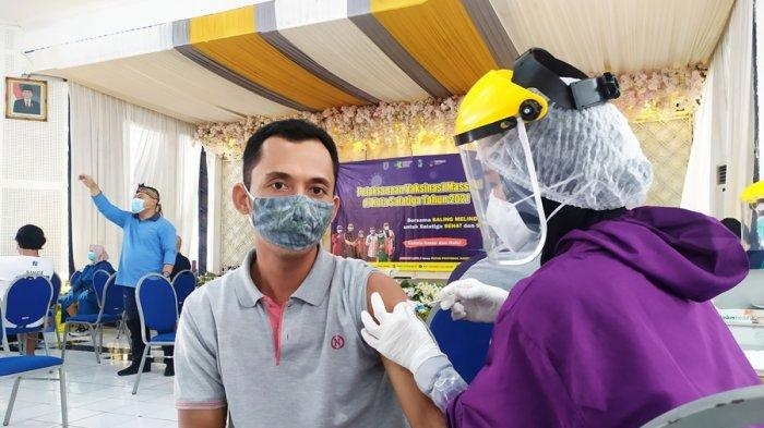 Vaksinasi Massal di Kota Salatiga, Target Tiga Hari Ada Enam Ribu Orang Sudah Disuntik