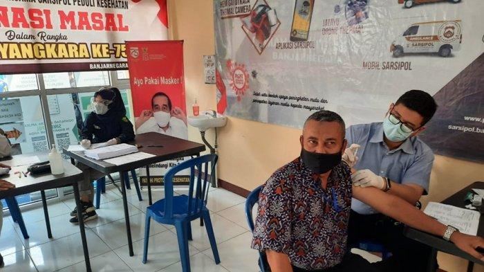 Purnawirawan Polri di Banjarnegara Disuntik Vaksin, Program Sambut HUT ke 75 Bhayangkara