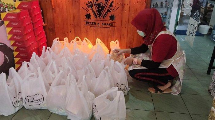 Inspiratif! Warga Ambarawa Ini Kirim 30 Bungkus Roti setiap Hari ke Pasien Covid yang Jalani Isoman