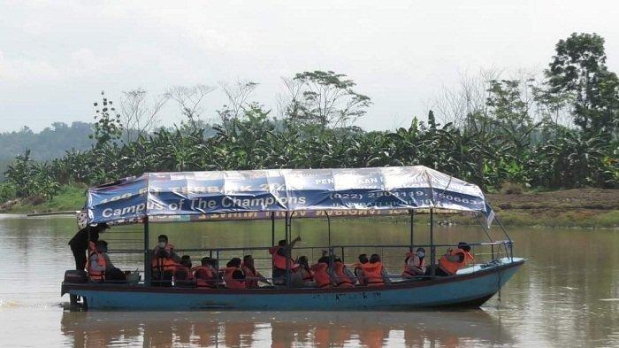 Warga Antusias saat Uji Coba Angkutan Serayu, Pemkab Banyumas Bakal Tambah Halte Sungai