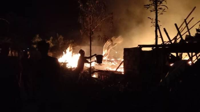 Enam Rumah di Kunduran Blora Ludes Terbakar, Api Diduga Bersumber dari Pengasapan Kandang
