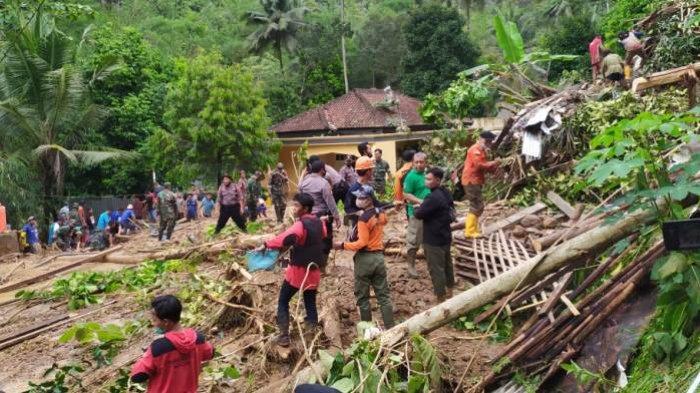 Laporan BPBD Banyumas: Enam Kecamatan Terdampak Longsor, Dua Warga Tewas Tertimbun