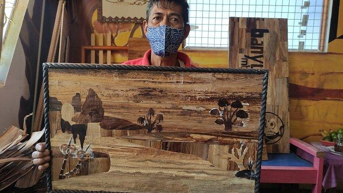 Warga Kalibagor Banyumas Ini Sulap Pelepah Pisang Jadi Lukisan, Dijual hingga Rp 850 Juta