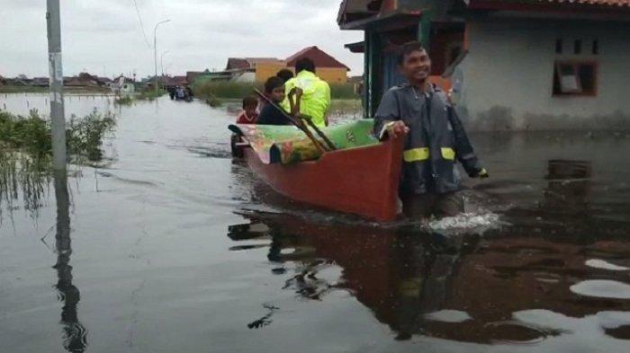 Banjir di Kabupaten Pekalongan Meninggi, Bupati: Pos Pengungsian dan Dapur Umum Ditambah