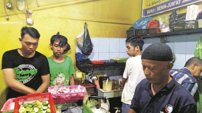 Warung Jahe Rempah Mbah Jo Semarang, Bukti Kesaktian Wabah Virus Corona, Kewalahan Layani Pembeli