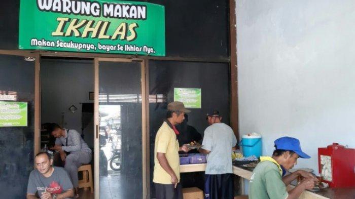 Di Warung Makan di Timur Stasiun Slawi Tegal Ini, Pembeli Bisa Bayar Seikhlasnya bahkan Gratis