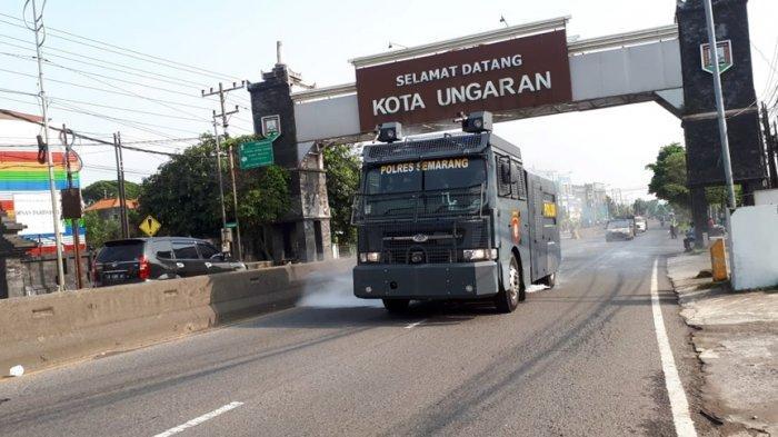 Gunakan Mobil Water Cannon, Jalan Protokol dan Ruang Publik Kabupaten Semarang Disemprot Disinfektan