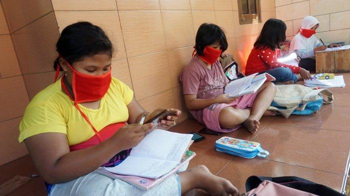 Pengurus RT Gotong Royong Sediakan Fasilitas Wifi Gratis, Bantu Anak Belajar Online di Batang