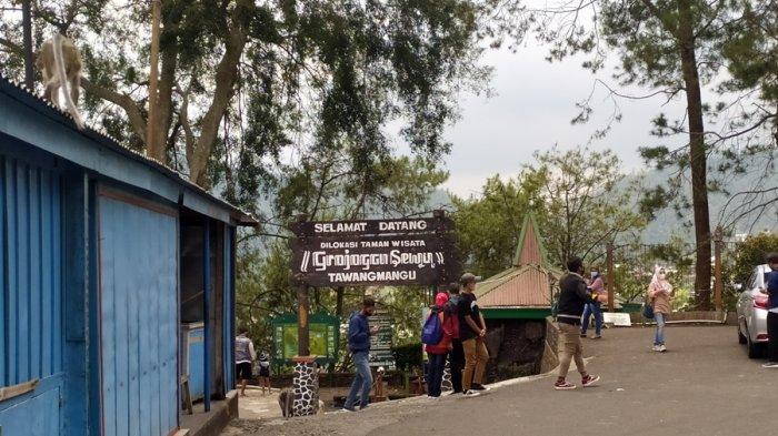 Belasan Wisatawan Kecele, Wisata Grojogan Sewu Tawangmangu Karanganyar Masih Tutup