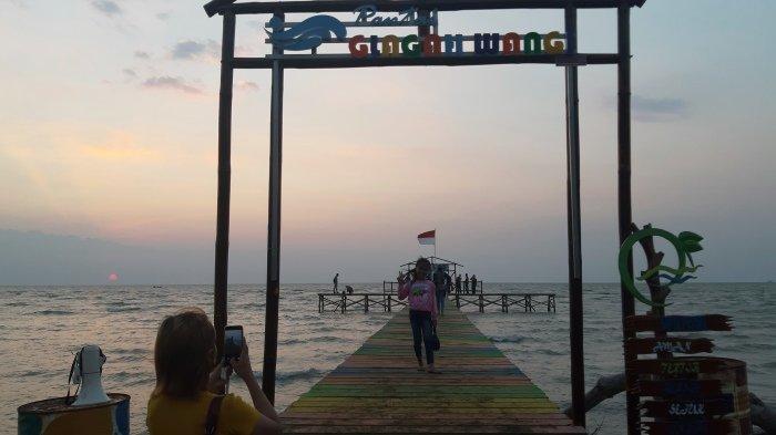 Ingin Nikmati Kamping di Pinggir Pantai? Datang Saja ke Pantai Glagah Wangi, Wisata Baru di Demak