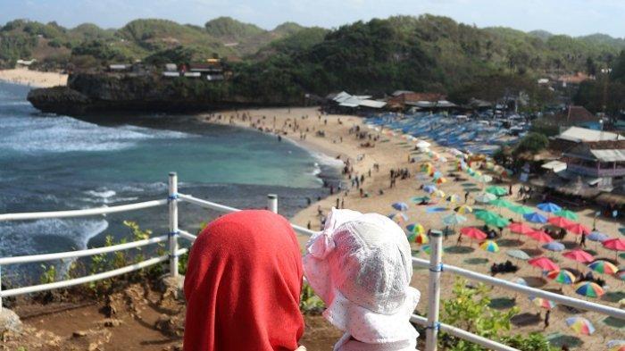 Lima Cara Berwisata ke Pantai saat Pandemi Virus Corona Belum Menandakan Penurunan