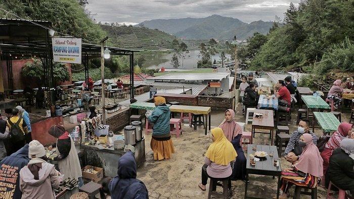 Wisata Wonosobo Mulai Dibuka, Ratusan Wisatawan Serbu Bukit Sikunir Menunggu Golden Sunrise