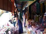 aktivitas-penjualan-di-pasar-kliwon-kudus-selasa-2612021.jpg