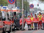 ambulance-ambulans-jerman.jpg