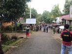 aparat-kepolisian-di-kabupaten-bantaeng-sulawesi-selatan-tengah-melakukan-pengamanan.jpg