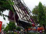 baliho-di-jalan-affandi-kecamatan-depok-kabupaten-sleman-roboh-diterjang-angin.jpg