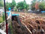 banjir-bandang-sungai-kalijompo-jember.jpg