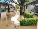 banjir-di-kampung-sewu-kecamatan-jebres-solo-kamis-422021.jpg