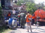 bpbd-kabupaten-cilacap-menyalurkan-bantuan-air-bersih-ke-desa-karangpucung-cilacap.jpg