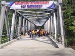 bupati-banjarnegara-budhi-sarwono-meresmikan-jembatan-plipiran-madukara-jumat-2882021.jpg