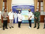 bupati-cilacap-meluncurkan-aplikasi-viva-cilacap-untuk-mempermudah-warga-mendaftar-vaksinasi.jpg