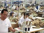 buruhpekerja-pabrik-garmen-di-kalibagor-banyumas.jpg