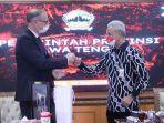 duta-besar-denmark-untuk-indonesia-lars-bo-larsen-kepada-gubernur-jawa-tengah.jpg