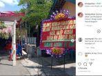 foto-karangan-bunga-di-acara-pernikahan-di-sragen-viral-di-media-sosial.jpg