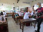 gubernur-jateng-ganjar-pranowo-menyambangi-sejumlah-sekolah-dasar-di-kota-semarang.jpg