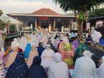 jemaah-islam-aboge-di-desa-onje-mrebet-purbalingga-melaksanakan-salat-id-jumat.jpg