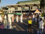 jemaah-mengikuti-salat-iduladha-di-masjid-agung-baitunnur-pati-jumat-3172020.jpg