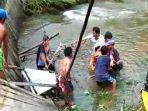 jembatan-gantung-pasien-tewas-tercebur-sungai.jpg