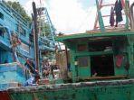 kapal-vietnam-yang-digunakan-menangkap-ikan-secara-ilegal-di-perairan-indonesia.jpg
