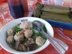 kuliner-bakso-apung-pak-yadi-di-objek-wisata-pantai-pulo-kodok-kota-tegal.jpg