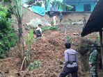 longsor-merusak-rumah-di-desa-garungwiyoro-kecamatan-kandangserang-kabupaten-pekalongan.jpg