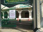 masjid-agung-kudus-tak-menggelar-salat-jumat-lagi-jumat-2562021.jpg