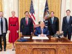 menko-marves-luhut-binsar-pandjaitan-bertemu-presiden-as-donald-trump-di-gedung-putih.jpg