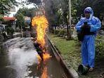 motor-mega-pro-terbakar-di-jalan-arteri-soekarno-hatta-tepatnya-di-depan-kampus-usm-kamis.jpg