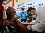 orang-penerima-vaksin-bagi-peserta-prolanis-program-jkn-kis.jpg