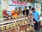 pasar-durian-di-desa-randegan-kecamatan-sigaluh-banjarnegara.jpg