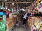 pedagang-pasar-wage-purwokerto-blok-b-buka-dasaran-di-lahan-parkir-rabu-2992021.jpg