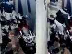 pencurian-motor-terekam-cctv-di-kelurahan-mintaragen-kota-tegal-senin-692021.jpg