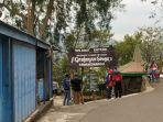 pengunjung-di-pintu-masuk-grojogan-sewu-tawangmangu-karanganyar-sabtu-492021.jpg