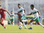 penyerang-timnas-u-19-indonesia-mochammad-supryadi-menggiring-bola-dalam-laga-melawan-qatar.jpg